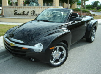 2004 CHEVY SSR BLACK
