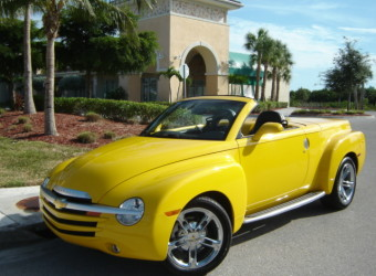 2004 CHEVY SSR YELLOW